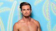 Tampil di Situs Gay, Aktor Ini Dipecat