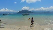 Pantai Mutiara Trenggalek yang Mulai Ramai Wisatawan
