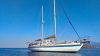 Stefano dan Sara Barberis, pasangan berusia 40-an dari kota kecil di wilayah utara Lombardy, telah menjual rumah mereka untuk mendanai pelayaran selama setahun. Mereka ingin menyeberangi Samudera Atlantik, menjelajahi Karibia, dan yang lebih jauh.