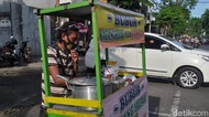Penasaran, Penjual Bubur di Surabaya Jago Bahasa Jepang Belajar dari Mana?