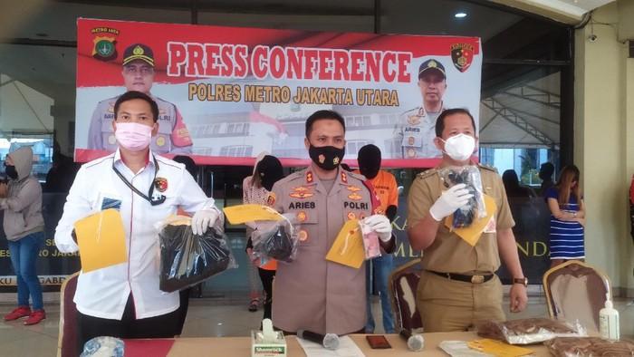 Polisi tangkap penyedia panti pijat plus-plus di Jakut