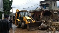 Hujan Deras Mengguyur Lokasi Banjir Cicurug Sukabumi, Evakuasi Berlanjut