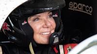Wanita 64 Tahun Ini Masih Kuat Jadi Pebalap Rally