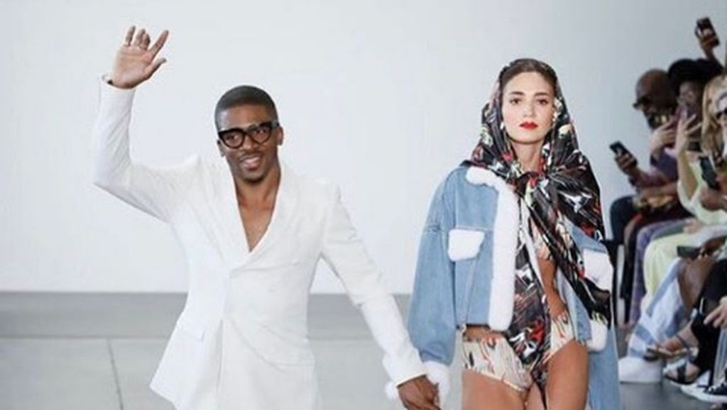 Brand High-end Burberry Dituduh Plagiat Karya Desainer Berkulit Hitam