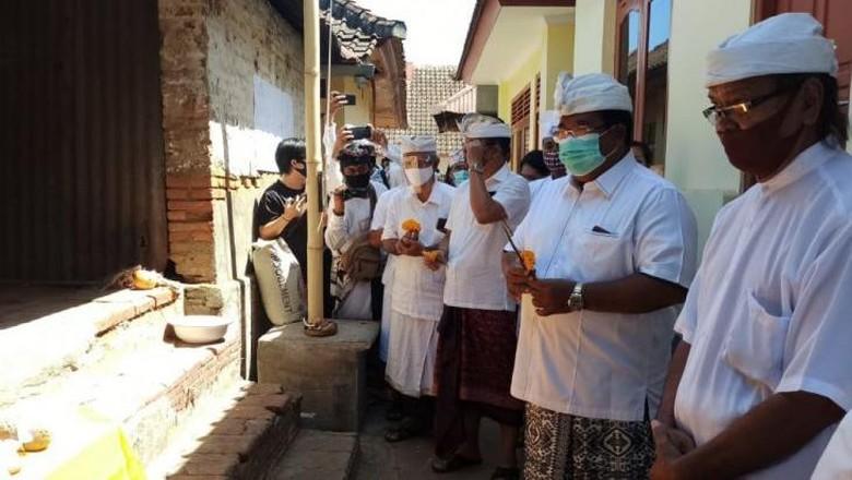 Peletakan batu pertama revitalisasi rumah Soekarno di Buleleng, Bali.