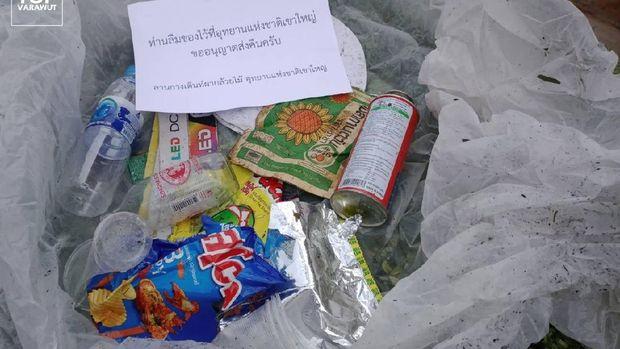 Sampah di taman nasional thailand akan dikirim ke pembuangnya