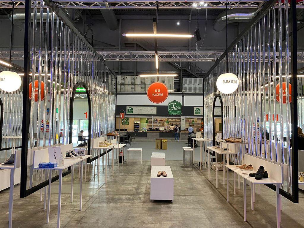 Sneakers Pijakbumi di Milan