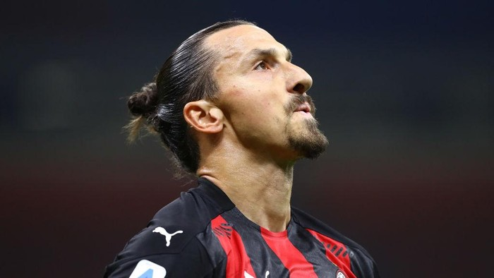 MILAN, ITALY - SEPTEMBER 21:  Zlatan Ibrahimovic of AC Milan reacts during the Serie A match between AC Milan and Bologna FC at Stadio Giuseppe Meazza on September 21, 2020 in Milan, Italy.  (Photo by Marco Luzzani/Getty Images)