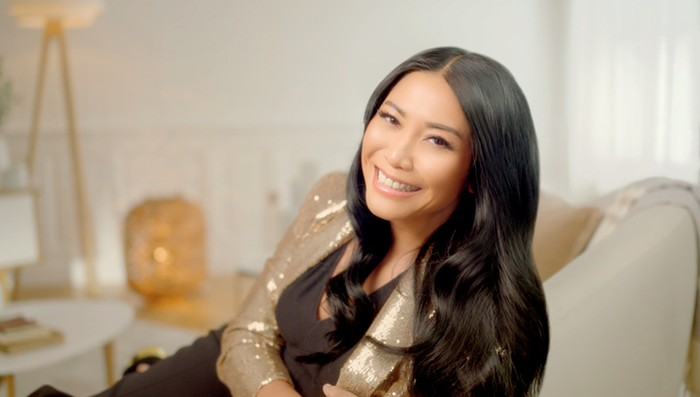 Duta shampoo Pantene Anggun C. Sasmi