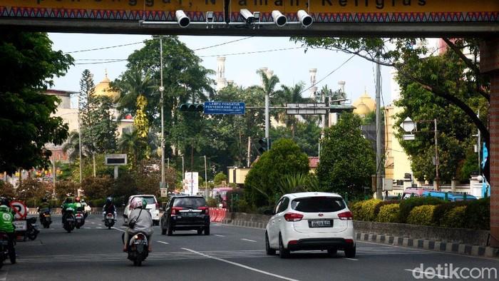 Tilang elektronik mulai diberlakukan di Depok sejak Senin (21/9) lalu. Diketahui penerapan tilang elektronik ini masih dalam tahap uji coba.