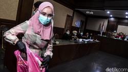 Jejak Pinangki dari Foto Bersama hingga Didakwa Terima Suap Djoko Tjandra