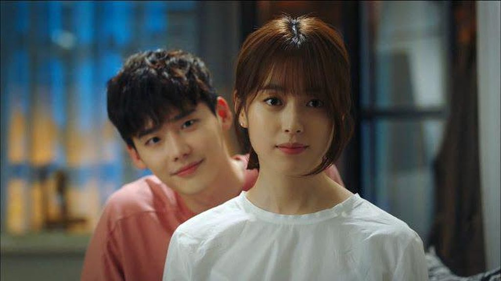 Sinopsis W-Two Worlds Episode 11