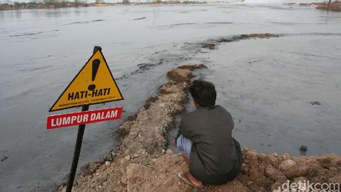 Luas lahan yang ditenggelamkan lumpur mencapai 640 hektar. Ribuan rumah dan persawahan sirna sejak lumpur menyembur 26 Mei 2006. Bagaimana keganasan lumpur yang mengusir penduduk dari 4 desa dan 3 kecamatan di Sidoarjo itu .Semburan lumpur lapindo belum j