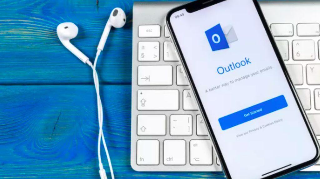 Microsoft Outlook Rusak Massal Sedunia, Bill Gates Disalahkan