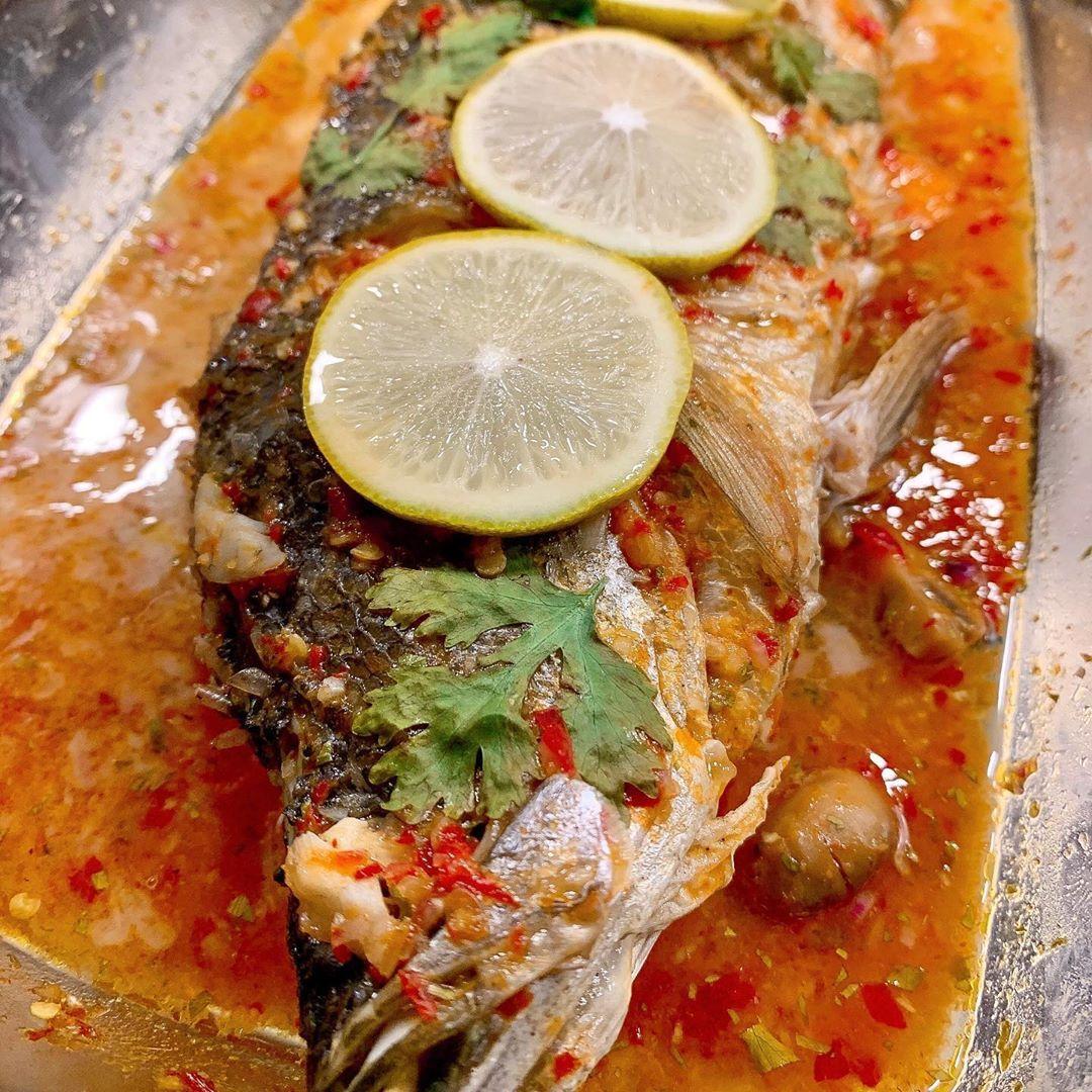 Nasi Goreng Nanas dan Ikan Kakap Kukus