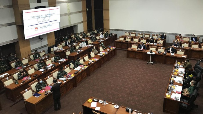 Panglima TNI Marsekal Hadi Tjahjanto rapat dengan Komisi I DPR