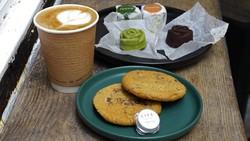 Ganja merupakan barang ilegal di Hong Kong. Namun, kafe di Hong Kong ini menjual makanan dan minuman yang mengandung ganja. Kok bisa? Seperti apa potretnya?