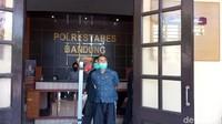 Cerita Saksi Mata Berhadapan dengan Pria Rusak Masjid di Bandung