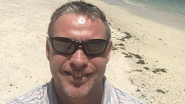 Gara-gara pandemi Corona, Rob Small (41) asal Inggris yang berprofesi sebagai instruktur diving, terjebak tak bisa pulang selama 9 bulan dari Samoa. Penerbangan internasional dari dan menuju Samoa ditutup sejak bulan Maret. (dok. Rob Small/Istimewa)