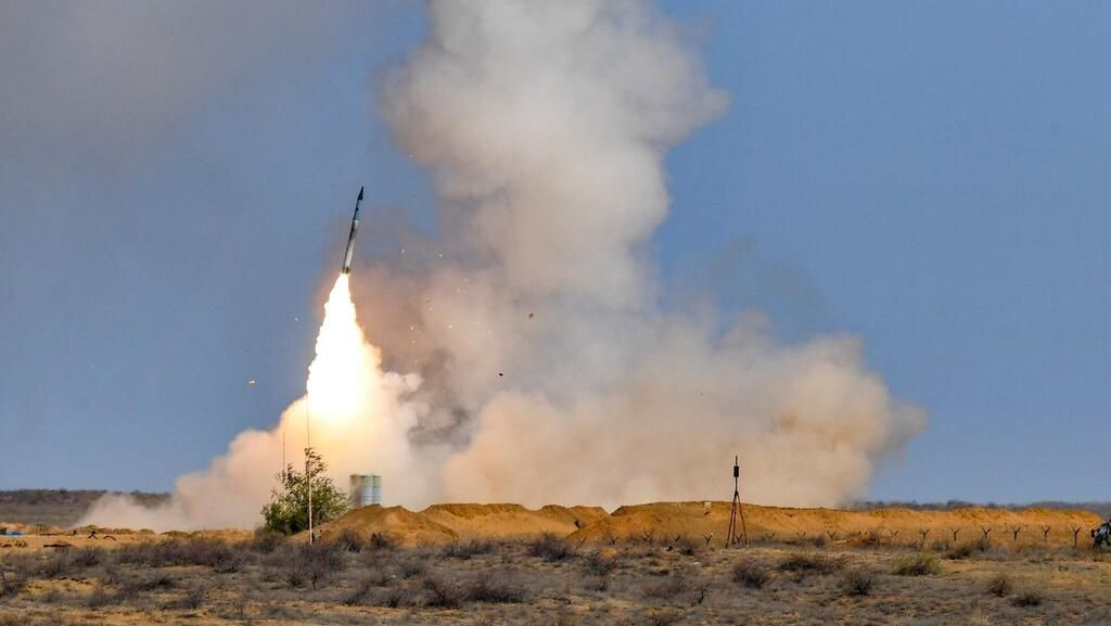 16 Rudal Iran Menarget Tentara AS di Irak