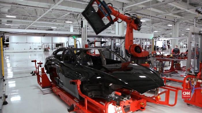 VIDEO: Elon Musk Janjikan Mobil Murah Tesla