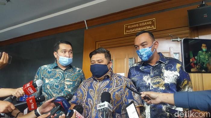 Tim kuasa hukum yang membela Pinangki Sirna Malasari dalam persidangan perkara dugaan suap dari Djoko Tjandra