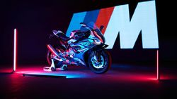 Ketika Divisi Mobil Balap BMW Bikin Motor Sport Fairing