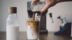 Dokter Ini Ungkap Kalori Es Kopi Susu Gula Aren, Bikin Melongo!