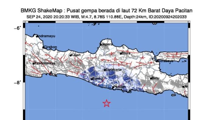 Gempa kembali mengguncang selatan Jawa, pukul 20.20 WIB, Kamis (24/9/2020) malam. Meski berlangsung amat singkat, getarannya sempat mengejutkan warga. Mereka pun sontak keluar rumah untuk menyelamatkan diri.