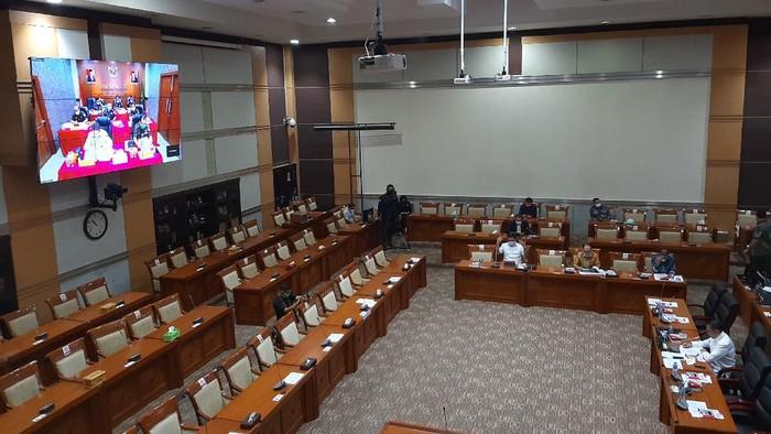 Jaksa Agung ST Burhanuddin hadir secara virtual di raker bersama Komisi III DPR