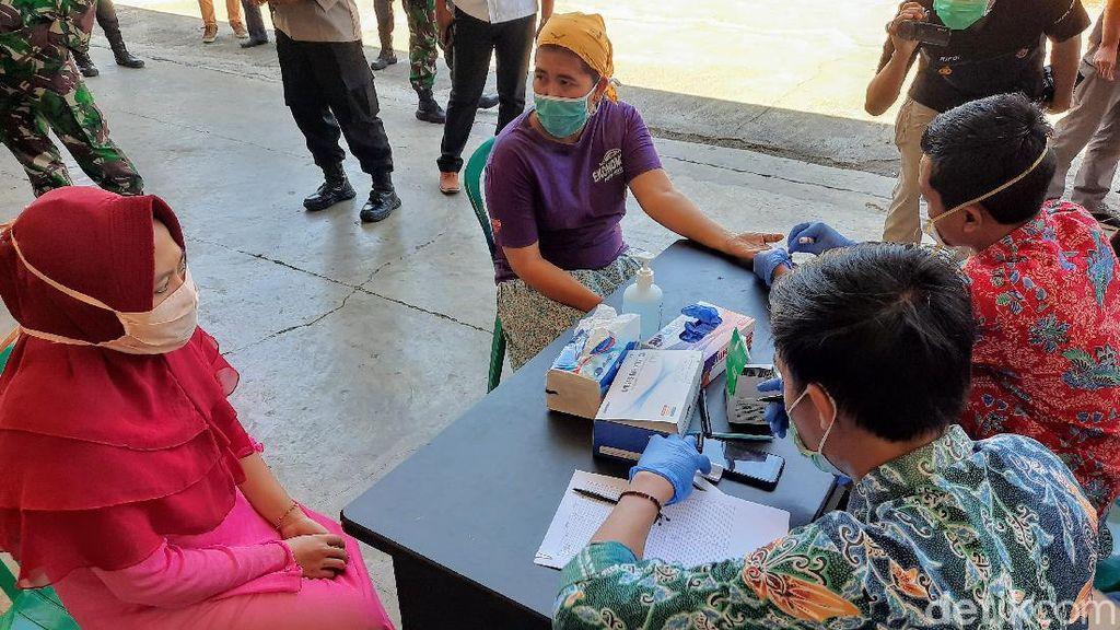 Cegah Klaster Baru, Karyawan Pabrik Rokok di Bondowoso Di-rapid Test