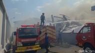 Gudang Popok Bayi dan Produk Kecantikan di Malang Terbakar