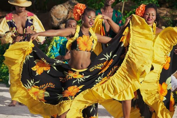 Sebagai bekas negara jajahan, Mauritius melahirkan budaya baru yang unik.