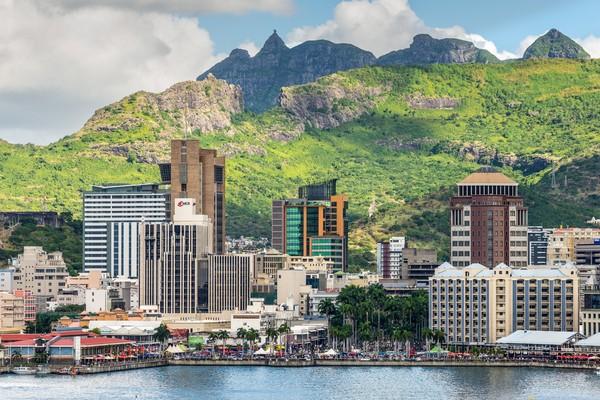 Pulau Mauritius adalah negara terkaya di Benua Afrika.