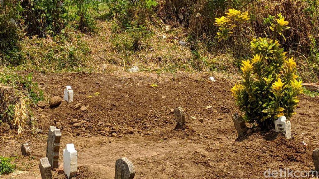 Keluarga Kerap Kerasukan, Makam Pria di Mojokerto Ini Dibongkar