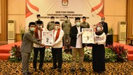 Adu Sindiran Pradi Vs Idris di Debat Perdana Pilkada Depok