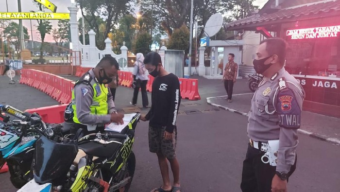 Penilangan klub motor di Salatiga