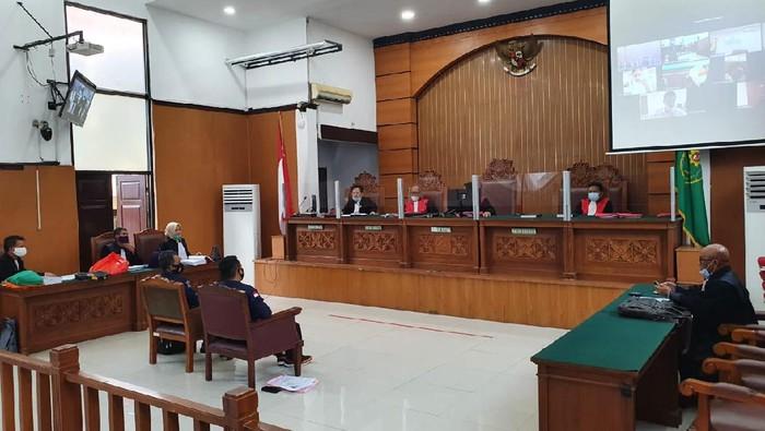 Kepala Subbid Fisika dan Komputer Forensik Labfor Polda Sulawesi Selatan, Wiji Purnomo, memberikan kesaksian di PN Jaksel, Kamis (24/9/2020).