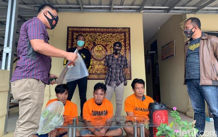 Polsek Babat Toman menangkap 3 pelaku pembobol sekolah di Musi Banyuasin (dok. Istimewa)