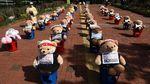 Puluhan Boneka Teddy Bear Ikutan Demo di Korsel