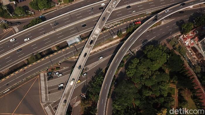 Sejumlah ruas tol akan mengalami penyesuaian tarif. Diketahui sudah ada 21 Badan Usaha Jalan Tol (BUJT) yang ajukan penyesuaian tarif tersebut.