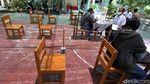 Tak Punya Ponsel Pintar, Ortu Siswa Serahkan Lembar Ujian ke Sekolah
