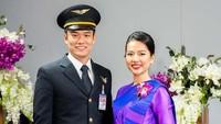 Ada tiga program lain yang ditawarkan selain menjadi pramugari, yaitu kursus pelatihan simulator darurat satu setengah hari dan menghabiskan waktu satu hari di dapur dengan koki Thai Airways.(Crew Journey/Facebook)