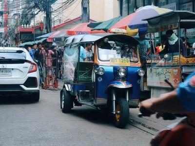 Bukan Taksi, Ini Transportasi Favorit Turis di Bangkok