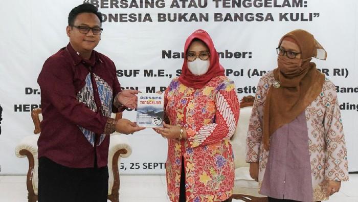Anggota MPR RI Fraksi Demokrat, Dede Yusuf Macan Effendi menilai isu tenaga kerja Indonesia harus mendapatkan perhatian lebih seluruh elemen masyarakat.