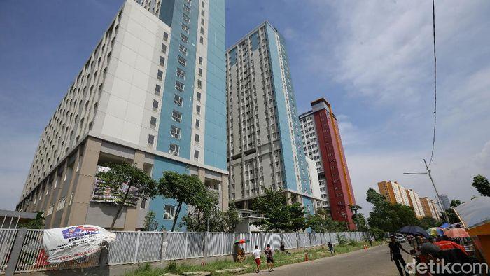 Kini isolasi mandiri di DKI Jakarta dianjurkan tidak boleh dilakukan di rumah, telah disediakan tempat khusus seperti salah satunya Rumah Sakit Darurat Wisma Atlet.