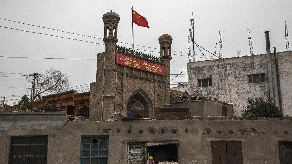 China Bantah Hancurkan Ribuan Masjid di Xinjiang