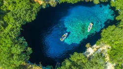 Melissani, Danau Cantik Tempat Dewi Yunani Bunuh Diri