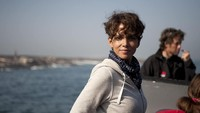 Sinopsis Dark Tide, Kisah Halle Berry Sang Pembisik Hiu