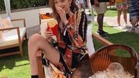 Bukti Supermodel Gigi Hadid Pencinta Fast Food